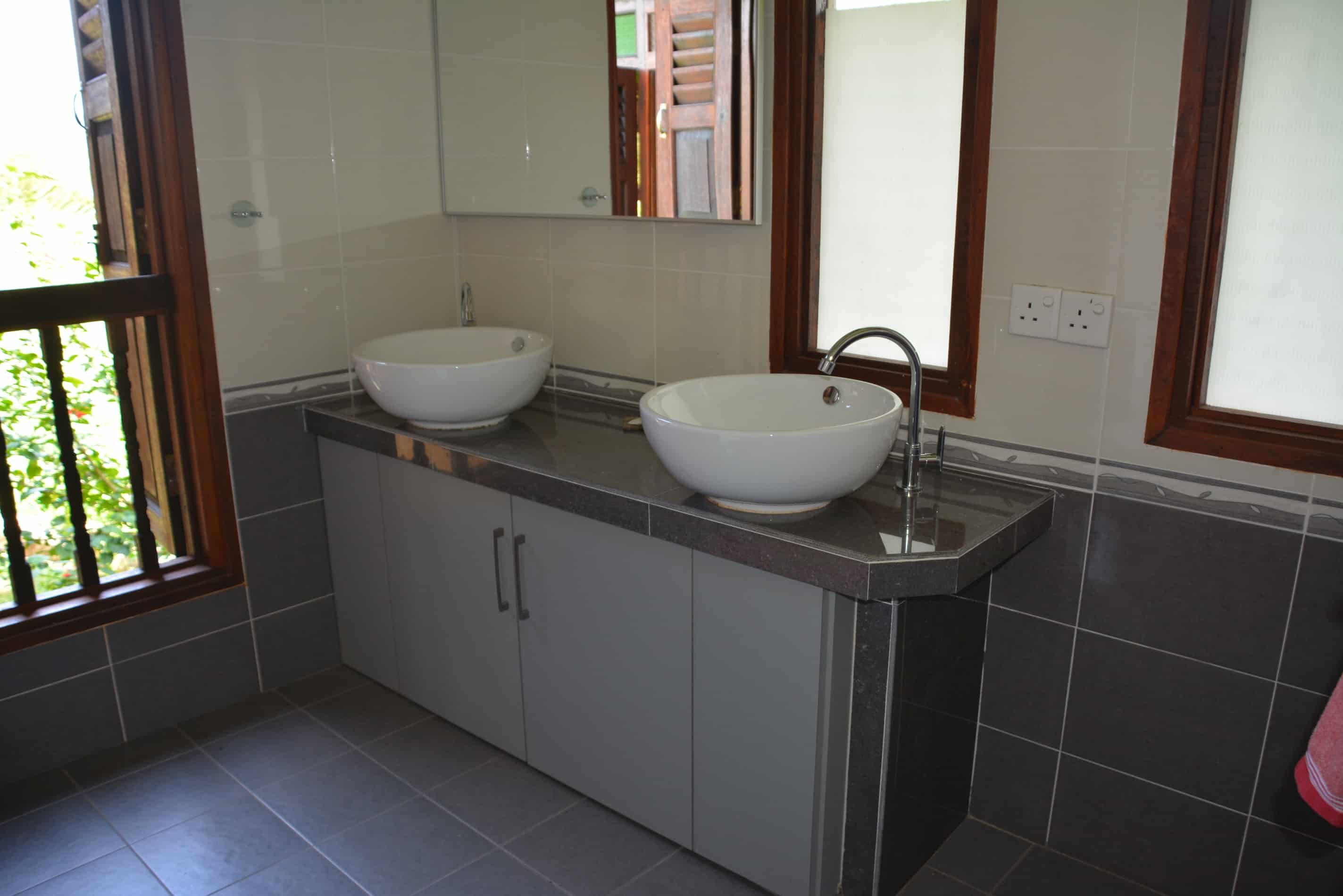 Garden House - Bathroom