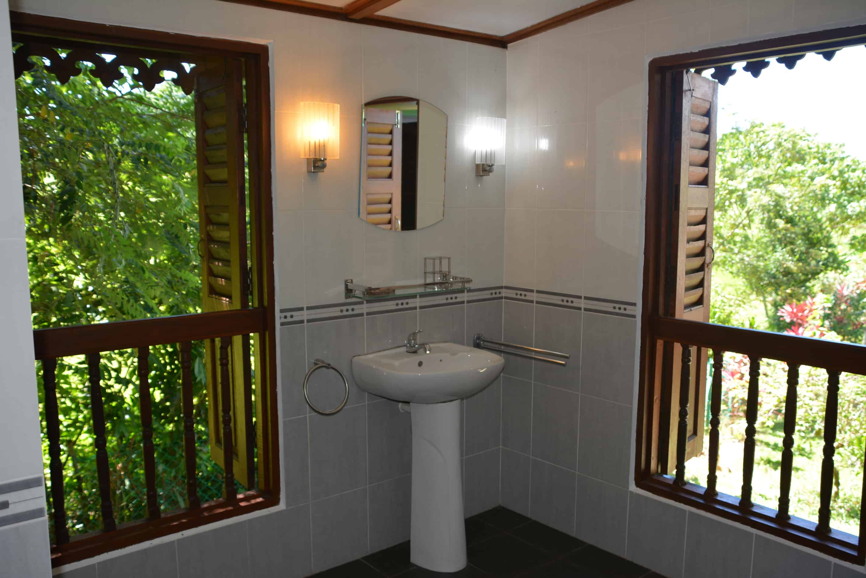 Farmers House - Bathroom